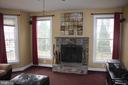 Wood burning fire place - 43122 ROCKY RIDGE CT, LEESBURG