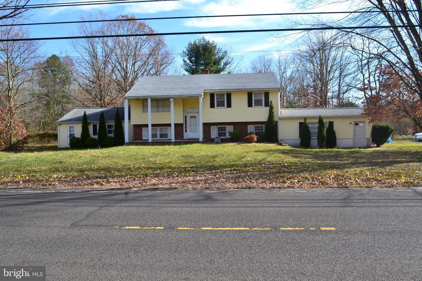 Single Family Home for Sale at 220 4TH Avenue Chesilhurst, New Jersey 08089 United States