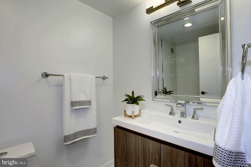 New BA;  new toilet, tub, cabinet, light fixtures - 5500 FRIENDSHIP BLVD #1607N, CHEVY CHASE