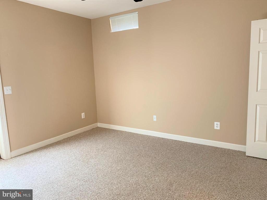 Basement Bedroom - 43801 TIMBERBROOKE PL, ASHBURN
