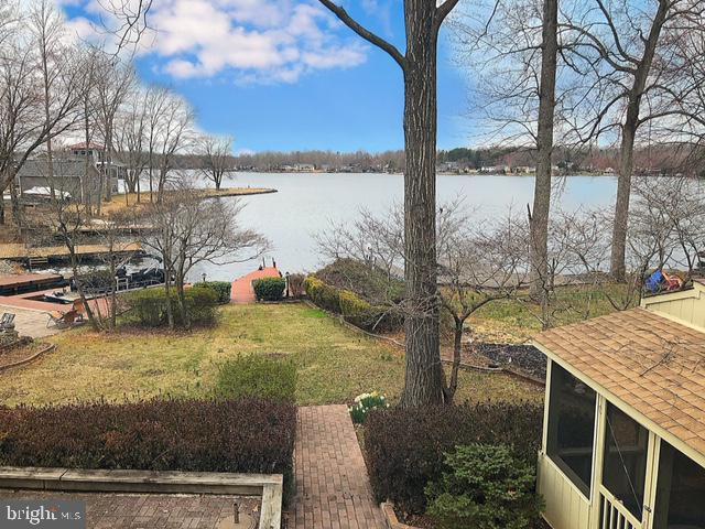 The view of the lake from the Sunroom! - 232 BIRCHSIDE CIR, LOCUST GROVE