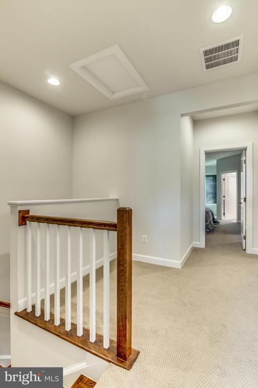 Multi Use area on Upper Level 2 - Relax or Play! - 9251 WOOD VIOLET CT, FAIRFAX