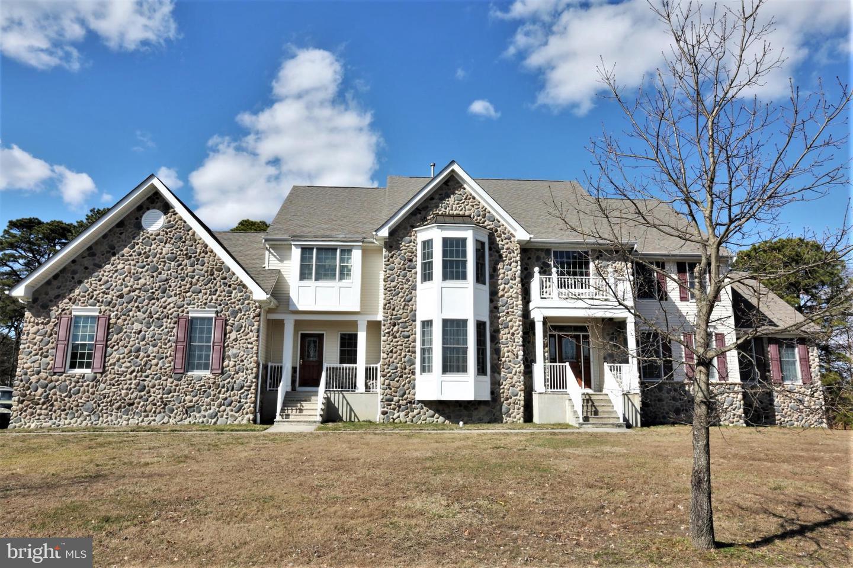 Maison unifamiliale pour l Vente à 491 SPOTSWOOD GRAVEL HILL Road Monroe Township, New Jersey 08831 États-UnisDans/Autour: Monroe Township