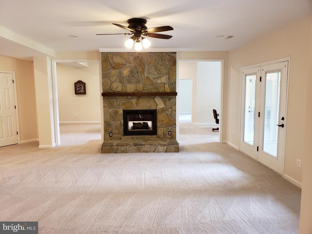 FULL FINISHED BASEMENT W/DOUBLE-SIDED FP - 6505 MATTHEW LN, MINERAL