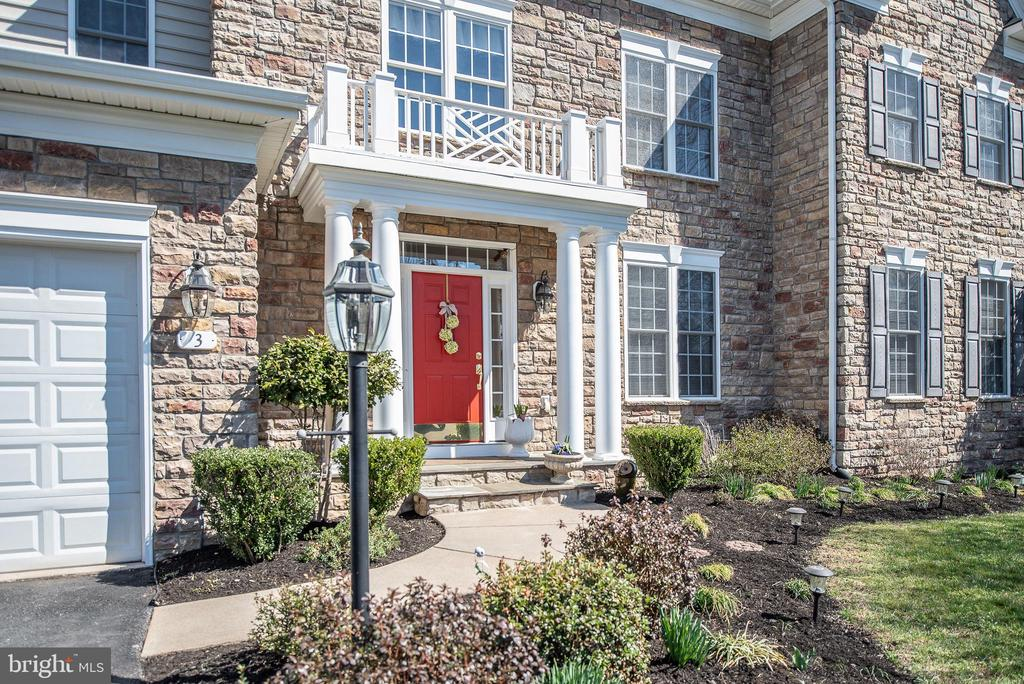 90%  beautiful stone front exterior. - 3 GRISTMILL DR, STAFFORD