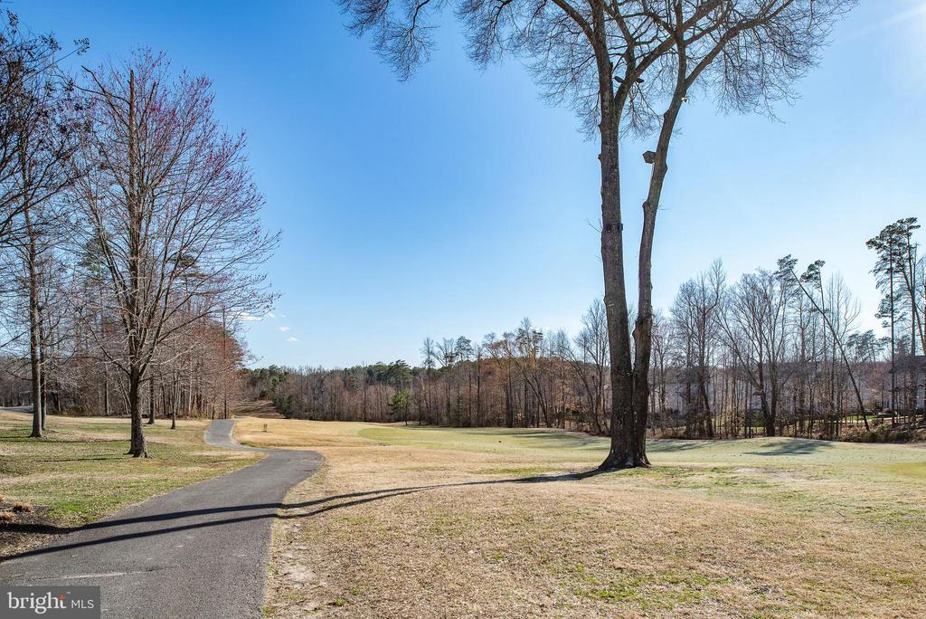 Walking trails, tennis courts, pool, club house - 3 GRISTMILL DR, STAFFORD