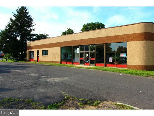 för Försäljning vid 403 SAMUEL Hamilton, New Jersey 08610 Förenta staternaI/Runt: Hamilton Township