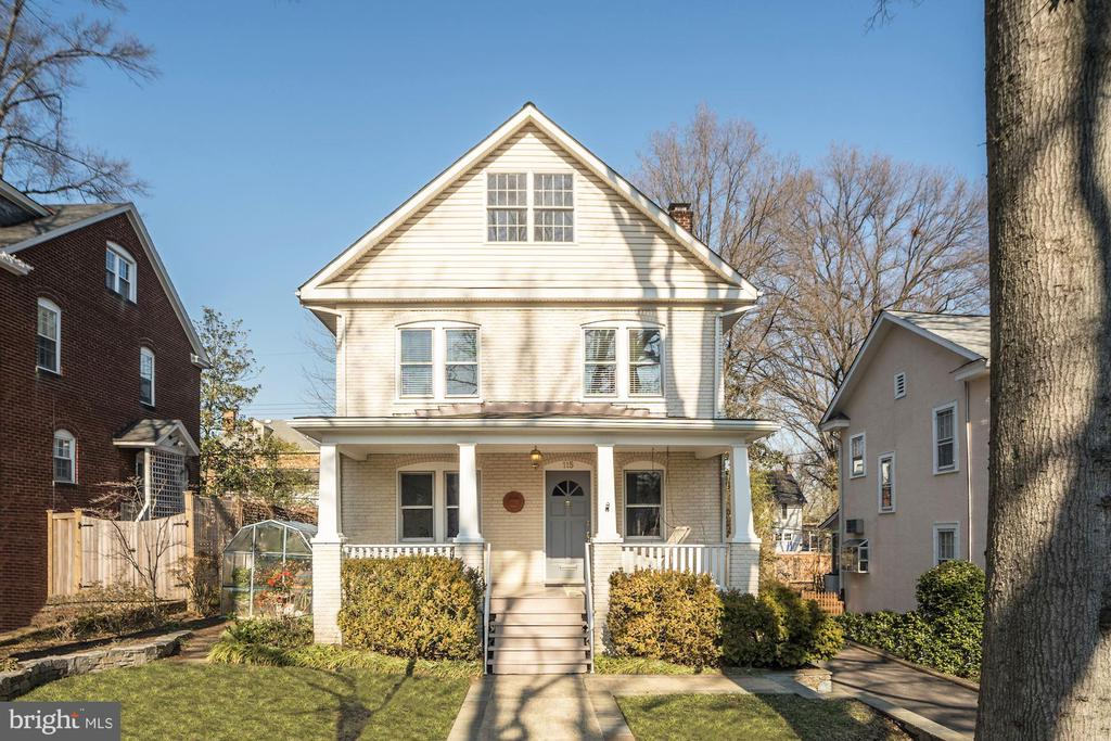 WELCOME HOME! - 115 W MAPLE ST, ALEXANDRIA