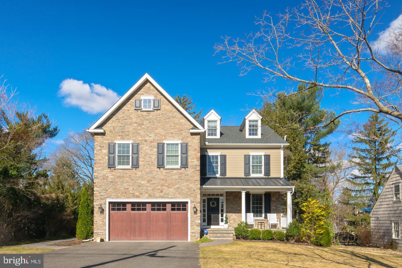 Частный односемейный дом для того Продажа на 624 POMONA Haddonfield, Нью-Джерси 08033 Соединенные Штаты