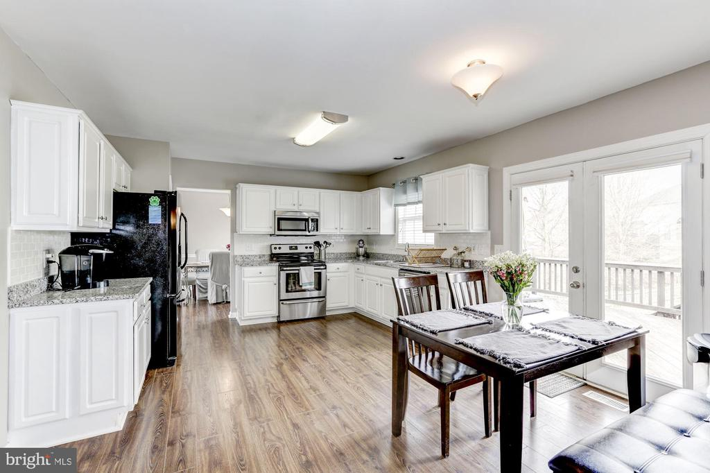 Spacious and Bright Kitchen - 12944 CREWS CT, BRISTOW