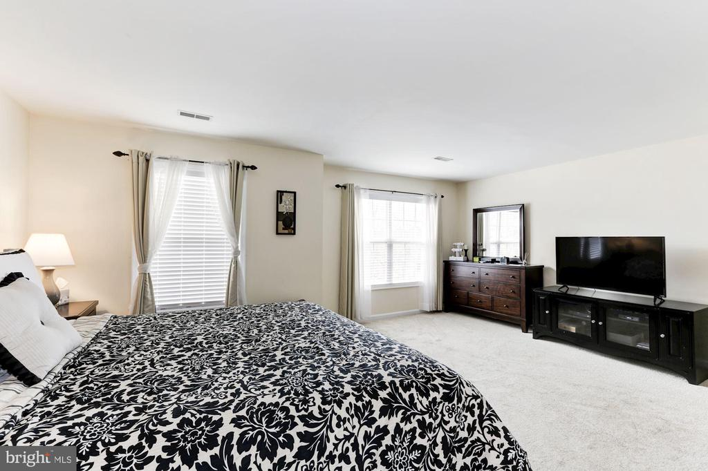 Master Bedroom - 12944 CREWS CT, BRISTOW