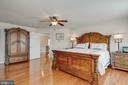 Hardwood floors throughout upper level - 8938 RHODODENDRON CIRCLE CIR, LORTON
