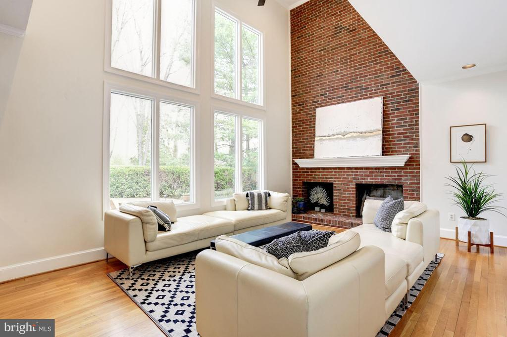 wall of windows with  views to  private yard - 8201 SPRING HILL LN, MCLEAN