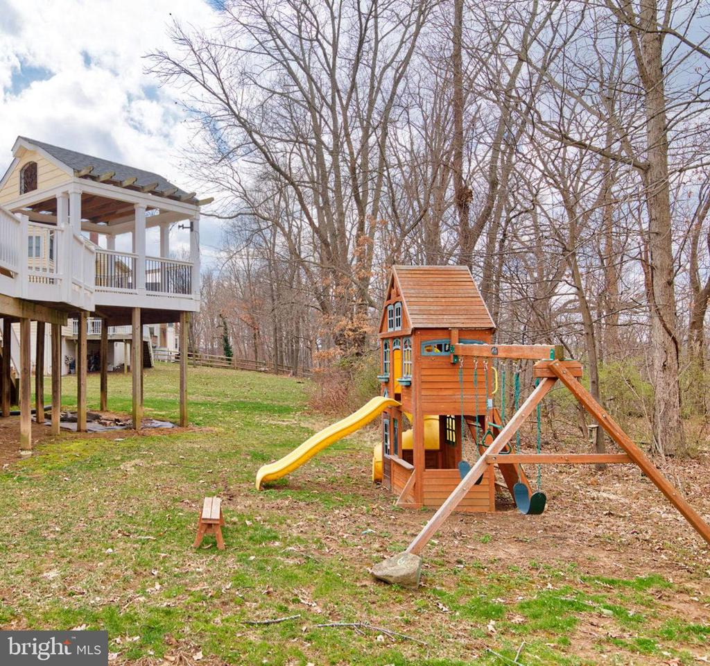 Playground equipment offers fun for every age - 603 BEAUREGARD DR SE, LEESBURG