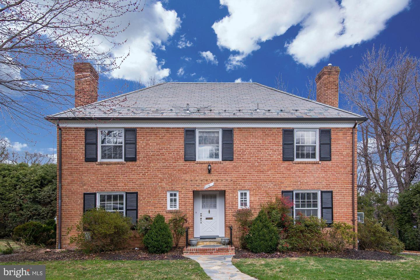 Single Family for Sale at 4755 34th St N Arlington, Virginia 22207 United States