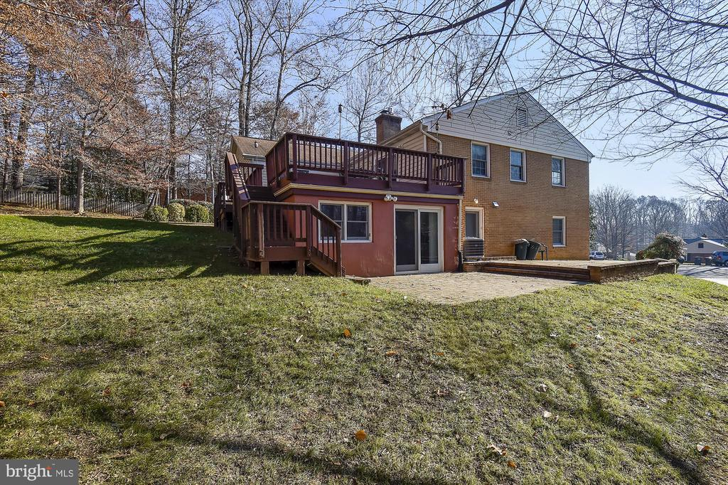 Lawn View - 8312 CHARTWELL CT, ANNANDALE