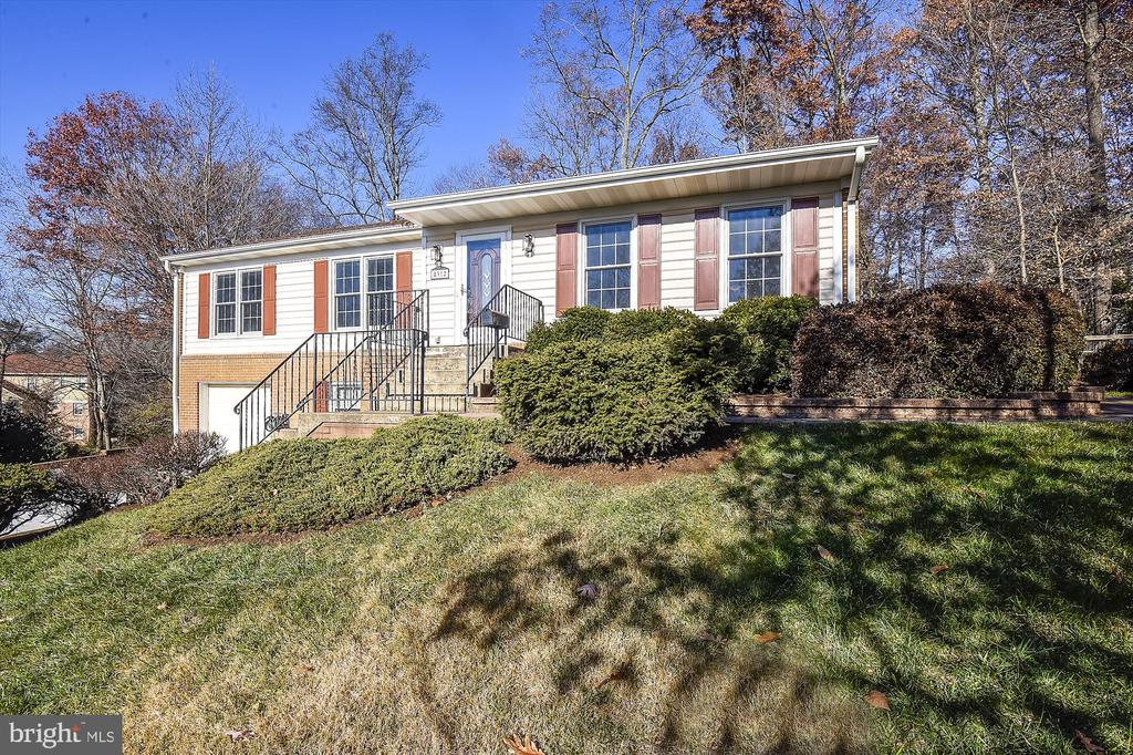 Front View from Curb - 8312 CHARTWELL CT, ANNANDALE