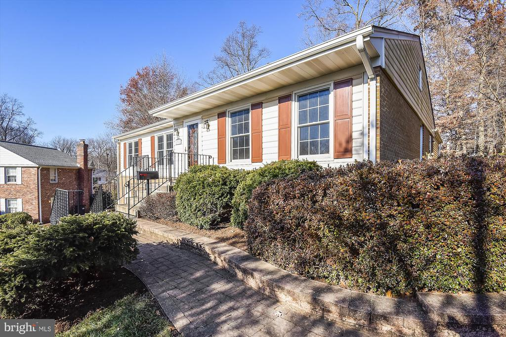 Front View from Street - 8312 CHARTWELL CT, ANNANDALE