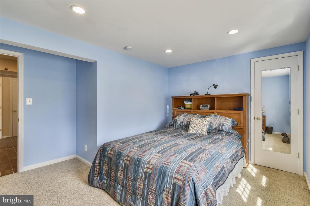 5th Bedroom - 8312 CHARTWELL CT, ANNANDALE