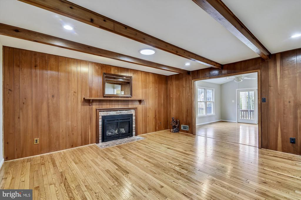 Family Room has Beam Ceiling and Gas FP - 8312 CHARTWELL CT, ANNANDALE