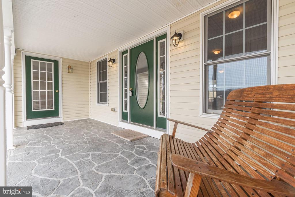 Stone Front Porch - 7960 TALBOT RUN RD, MOUNT AIRY
