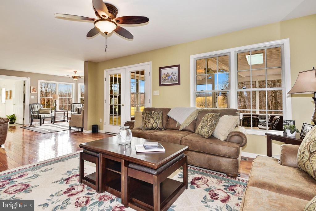 Living Room with Hardwood Floors - 7960 TALBOT RUN RD, MOUNT AIRY