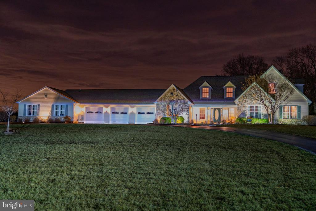 Imagine coming home to this - 7960 TALBOT RUN RD, MOUNT AIRY