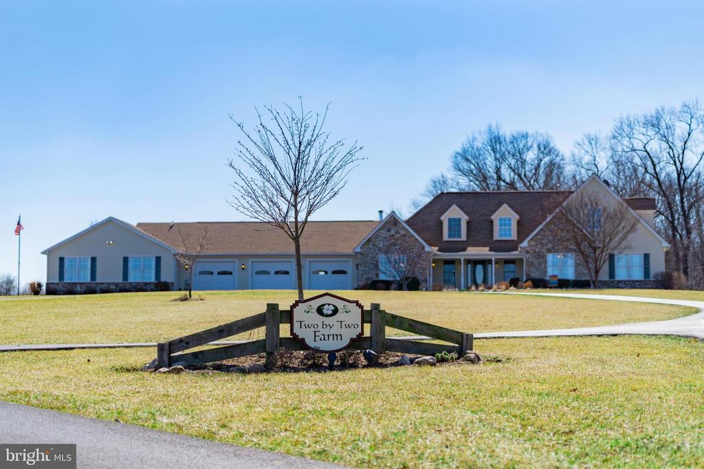 Welcome Home to Two by Two Farm - 7960 TALBOT RUN RD, MOUNT AIRY