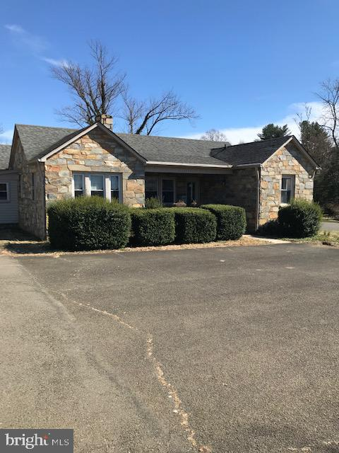 Commercial for Sale at 201/211/197 Broadview Ave 201/211/197 Broadview Ave Warrenton, Virginia 20186 United States
