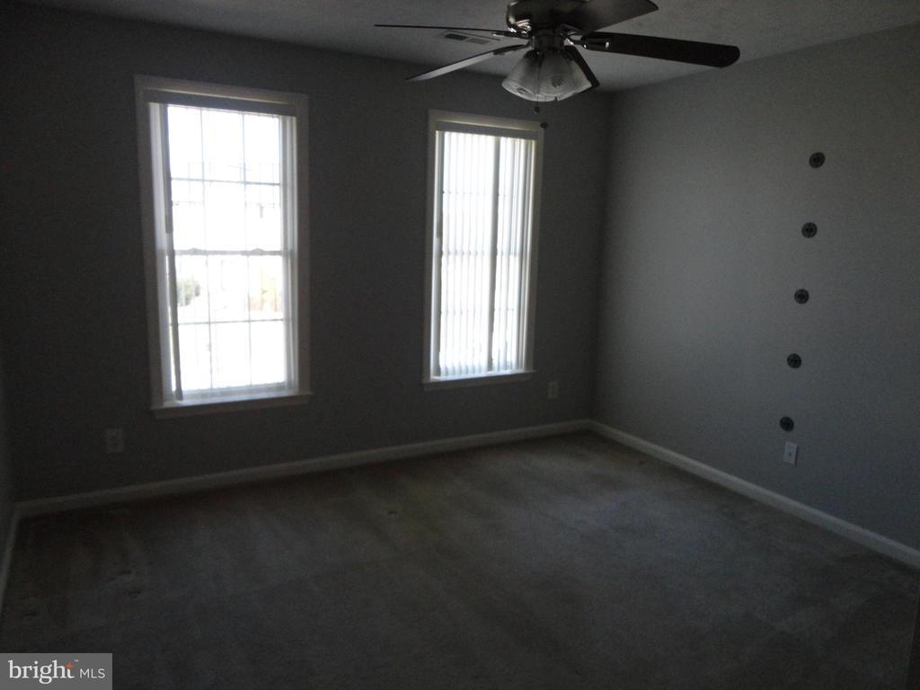 Bedroom 2 - 10415 NAPOLEON ST, FREDERICKSBURG