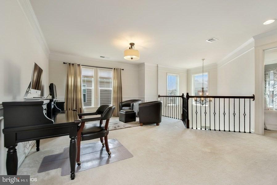 UPPER LEVEL FAMILY ROOM TO OVER  ENTRANCE FOYER - 42518 STRATFORD LANDING DR, BRAMBLETON