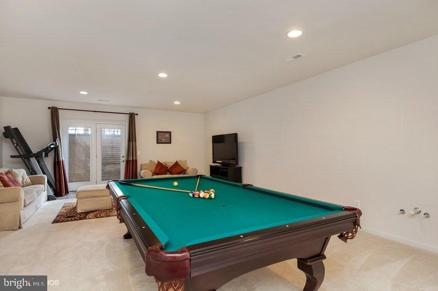 REC ROOM TOWARDS WALK OUT - 42518 STRATFORD LANDING DR, BRAMBLETON