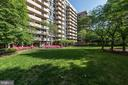 Hyde Park has a spacious private park! - 4141 HENDERSON RD #324, ARLINGTON
