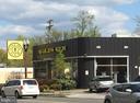 Gold's Gym nearby - 4141 HENDERSON RD #324, ARLINGTON