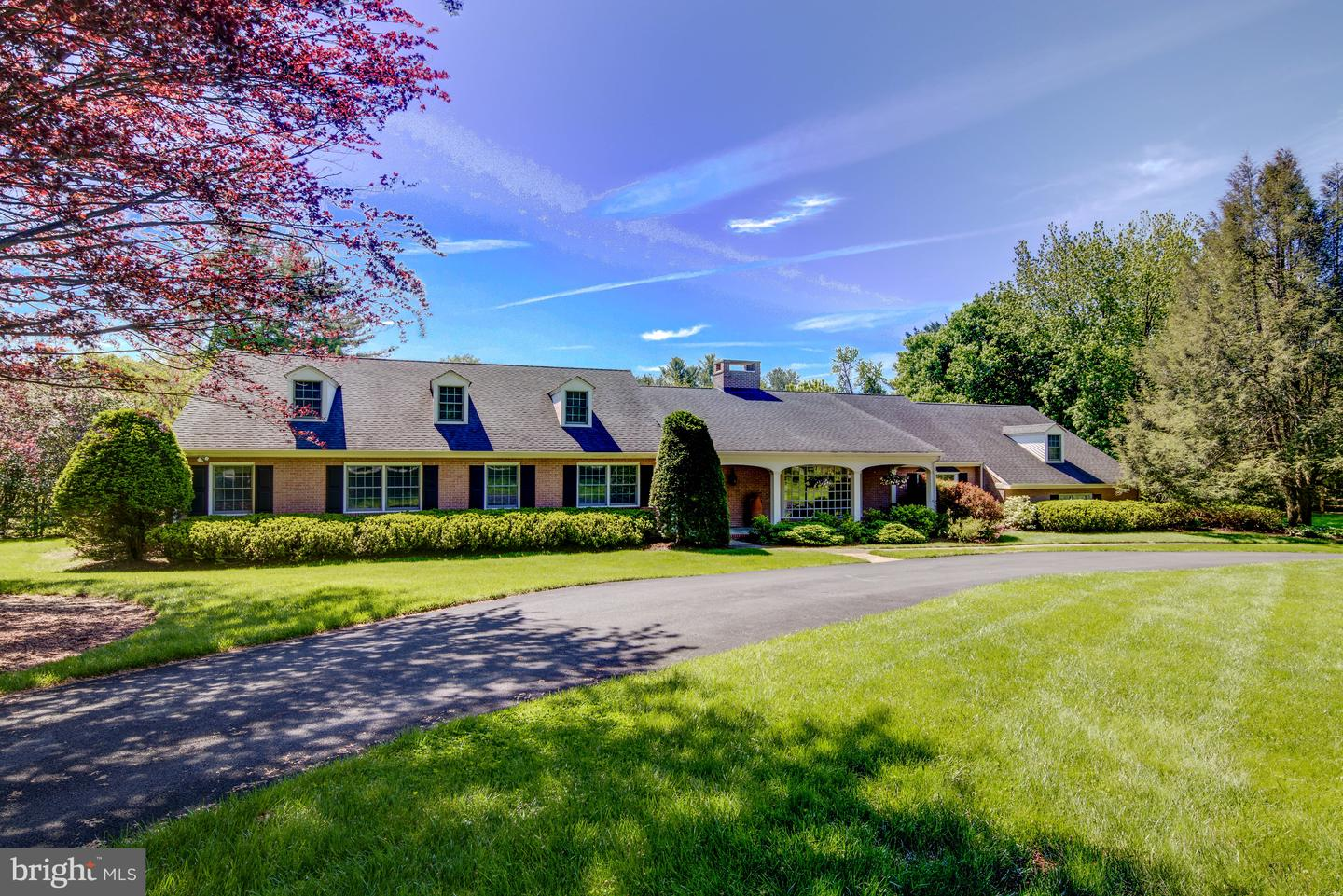 Photo of home for sale at 204 Haystack Lane, Wilmington DE