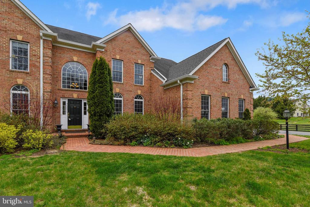 Early spring view of front - 36895 LEITH LN, MIDDLEBURG