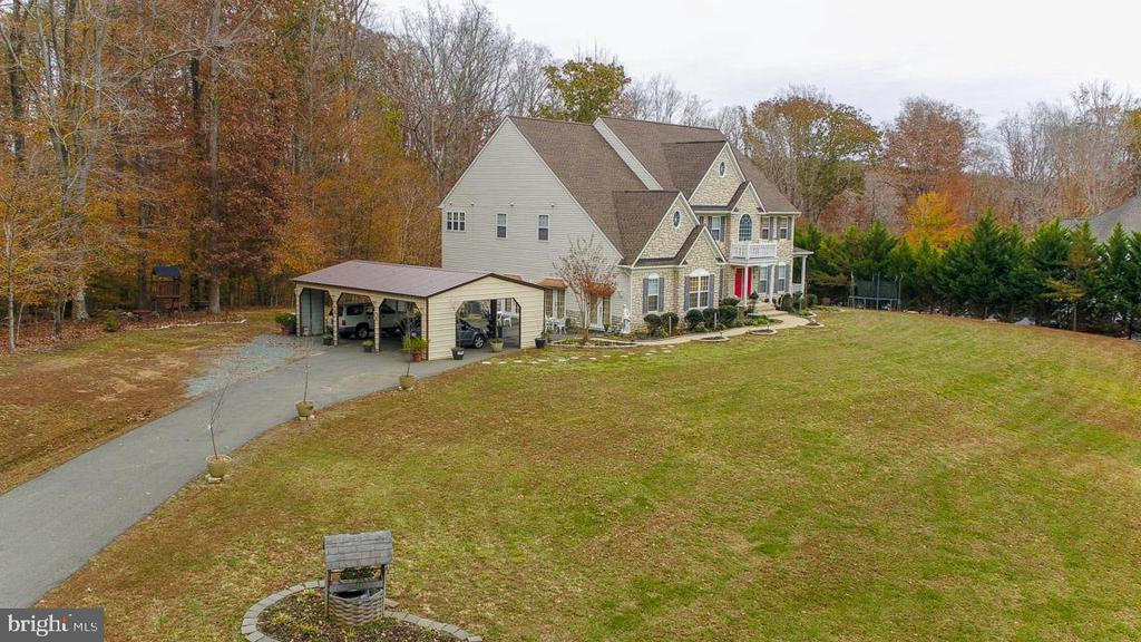 Spectacular Estate home on 3 acres no HOA! - 21 WENTWORTH DR, FREDERICKSBURG