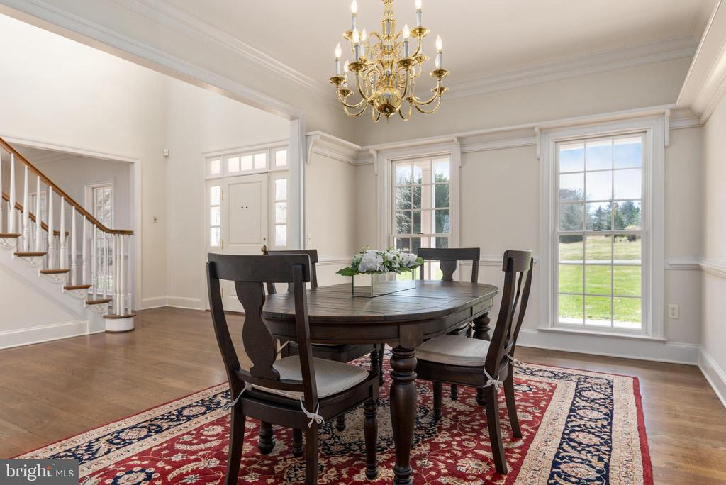 Dining Room with China Rail - 24080 CLIFF DR, WORTON