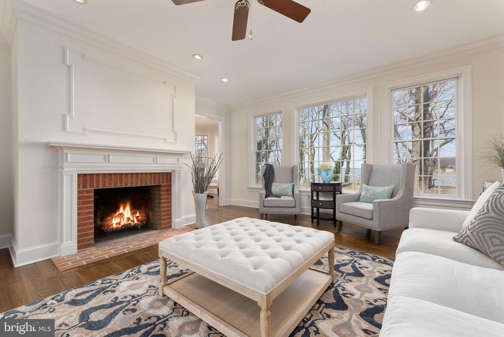 Family Rom with Natural Fireplace and Water Views - 24080 CLIFF DR, WORTON