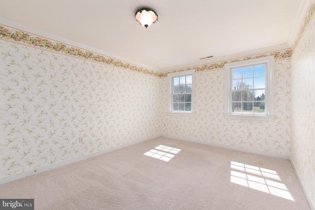 Bedrooms #3 with Own Full Bathroom - 24080 CLIFF DR, WORTON