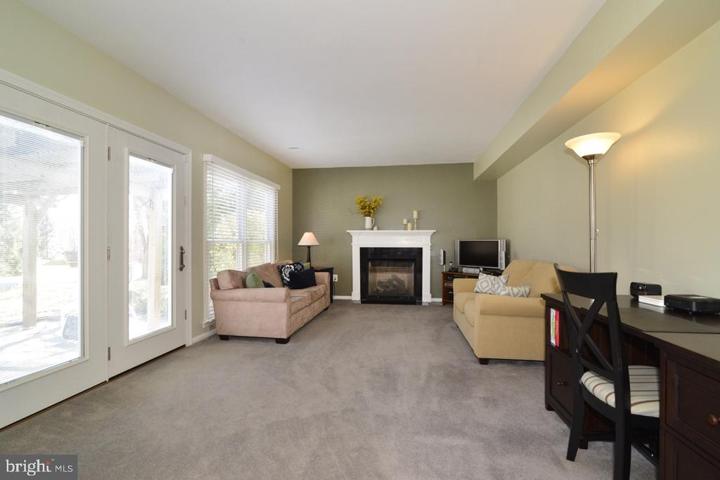 Family Room off Kitchen - 13366 POINT RIDER LN, HERNDON