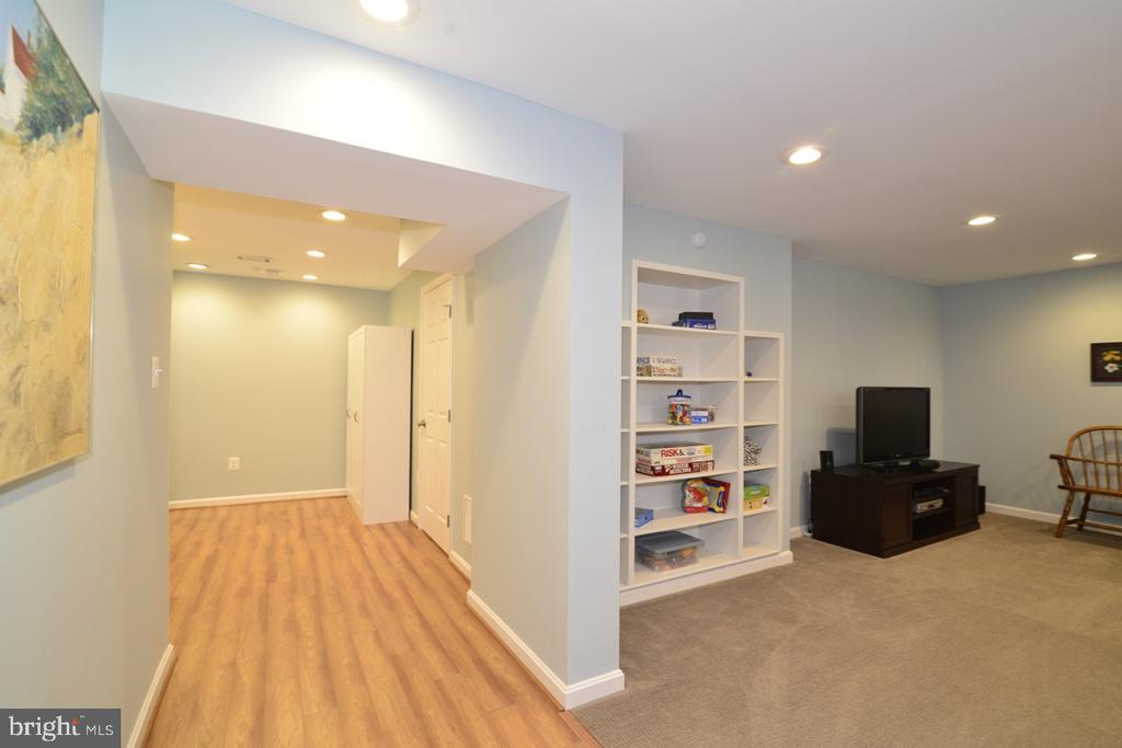 Lower Level Hall - recessed Lights - 13366 POINT RIDER LN, HERNDON