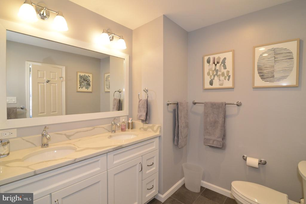 Renovated Master Bath- Double Vanity - 13366 POINT RIDER LN, HERNDON