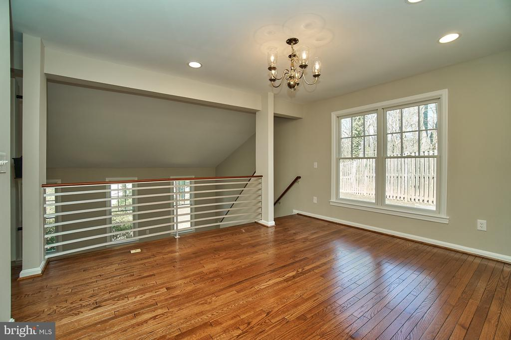 Separate dining room - 8588 CORAL GABLES LN, VIENNA