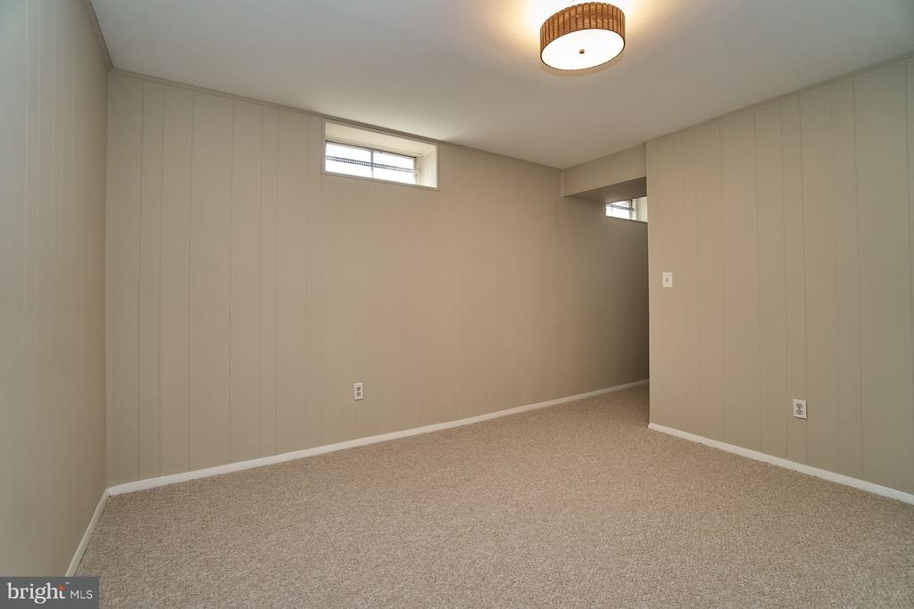 Separate hobby room - 8588 CORAL GABLES LN, VIENNA
