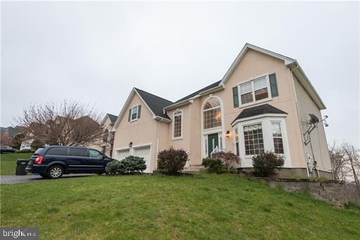 Частный односемейный дом для того Продажа на 13 WINGATE WAY Green Brook Township, Нью-Джерси 08812 Соединенные Штаты