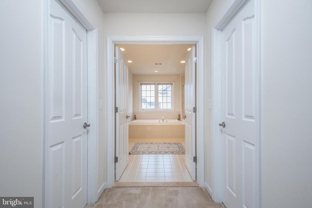 Master Bedroom & Bath Suite - 38 COACHMAN CIR, STAFFORD