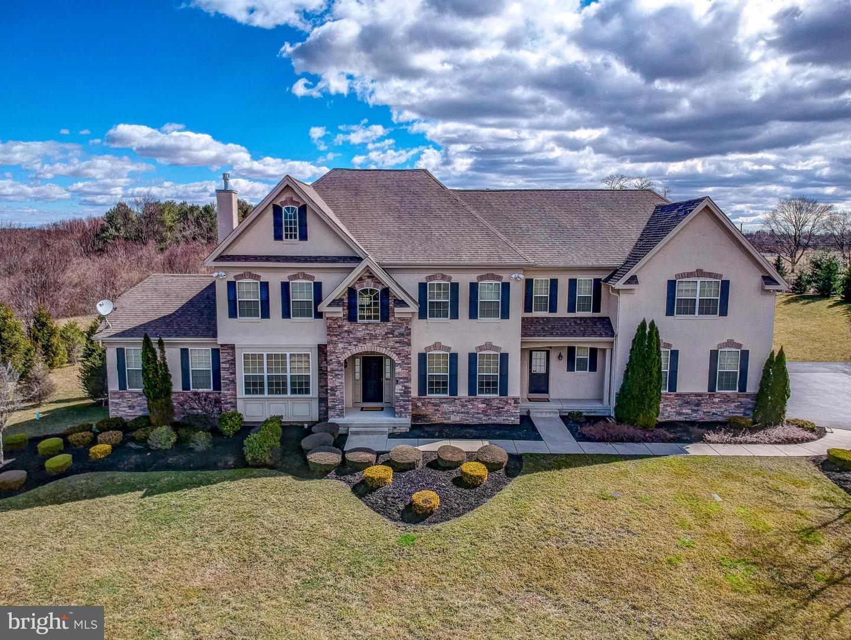 Enfamiljshus för Försäljning vid 19 WEATHERSFIELD Drive Hamilton, New Jersey 08620 Förenta staternaI/Runt: Hamilton Township