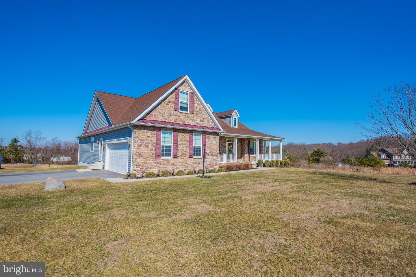 Additional photo for property listing at 112 Mickey Mantle Ct Berkeley Springs, West Virginia 25411 United States