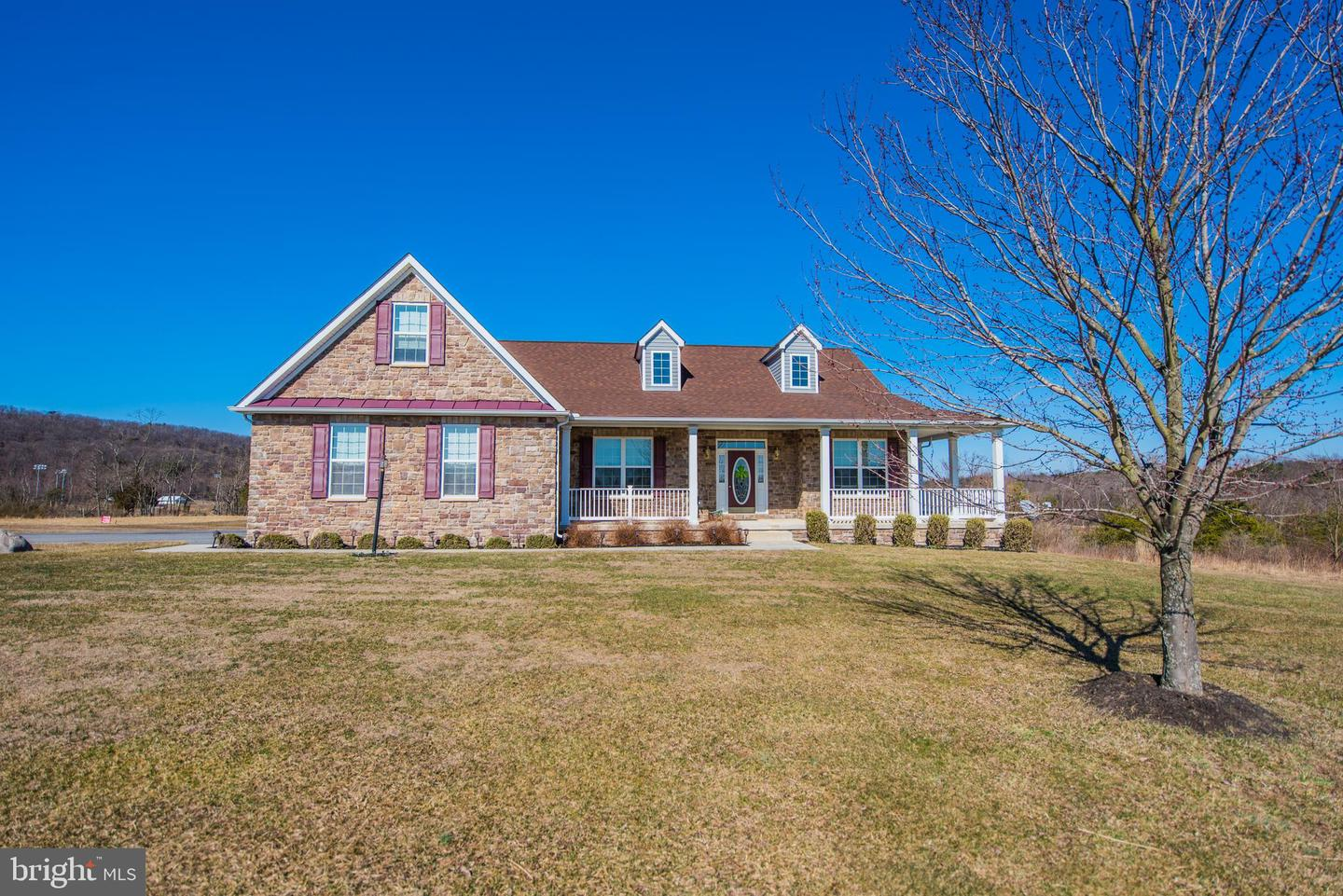 Single Family for Sale at 112 Mickey Mantle Ct Berkeley Springs, West Virginia 25411 United States
